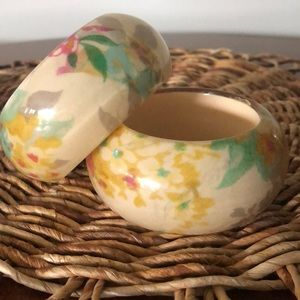 Jewelry - Vintage resin bangles